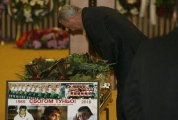 Стоичков изпълнил последната молба на Трифон – сложил в ковчега му хапчета за отслабване