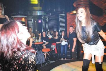 Само и единствено в Night Club The MOON! Василис Карас за първи път ще пее на живо в Благоевград