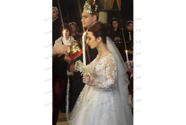 Гуруто на театралите в ЮЗУ доц. Златко Павлов предаде пред олтара дъщеря си София на любимия й Веселин