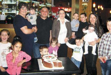 Детско парти за първи рожден ден подариха на първородния си син СОТ служител и съпругата му