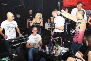 """Йоргос Гиасемис взриви страстите в """"Джулиани"""", Гъмзата и бендът му забиват утре в култовия клуб"""