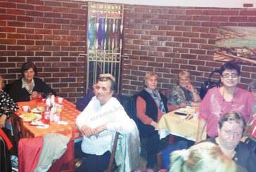 """Дамите от пенсионерски клуб """"Спартак"""" се веселиха на емоционален банкет за 8-ми март"""