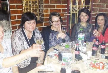 С емоционално парти екипът на приемен блок чества 8-ми март