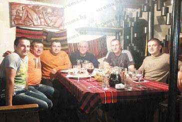 Сандански пожарникари си дадоха прошка на трапеза в Кърланово
