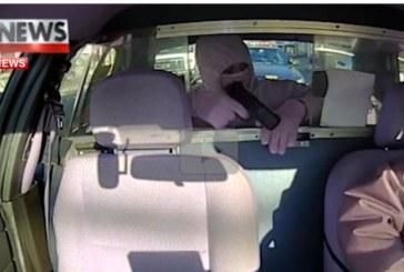 Той влезе в такси и насочи пистолет срещу шьофора! Но как би могъл да знае… /ВИДЕО/
