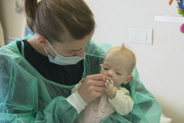 Ще живее ли малката Ива от Банско! Родителите в шок: Фирма бави доставката на лекарството