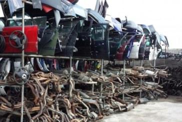 """19 нелегално изкупени купета от автомобили откриха полицаи при втори удар в незаконната автоморга в """"Бела вода"""""""