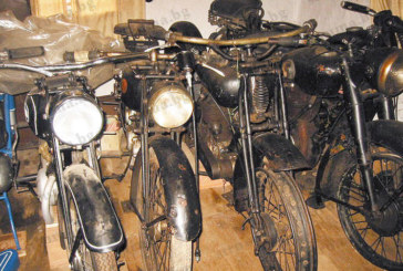Откраднаха 4 мотоциклета от уникалната колекция на Ал. Шопов, експонирани от наследниците му в мазетата на старата фамилна къща