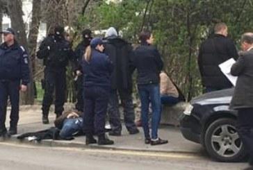ПРЕСТРЕЛКА В СТОЛИЦАТА МЕЖДУ ПОЛИЦАИ! Арестуваха 2-ма униформени с наркотици