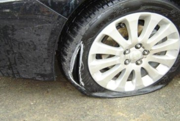ВЕНДЕТА В СИМИТЛИ! Разярен работник сряза гумите на колата на шефа си заради неплатени 10 надници