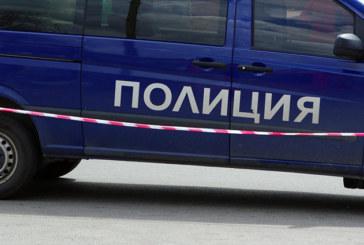ЕФЕКТЪТ НА ИЗНЕНАДАТА! Полицаи тарашиха заведение и домове в Пиринско, собствениците онемяха