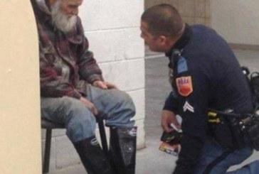 Снимката, която обиколи света: Бездомен човек отказва да напусне магазина! Това, което полицаят вижда… разбива сърцето му