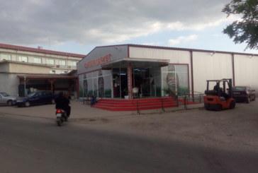 Среднощен екшън като в US филм шокира Петричко! Маскирани нападнаха супермаркет, собственикът с риск за живота спря бандитите, спаси пълния с пари банкомат и кеш терминал (ОБНОВЕНО)