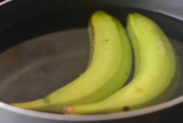 Тя свари два банана и изпи течността, няма да повярвате какво се случи