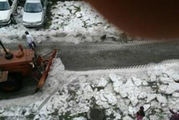 ЛЕДЕНА СТИХИЯ В ЛОВЕЧ! Разчистват със снегорини след градушката (СНИМКИ + ВИДЕО)
