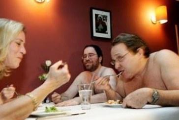 Вече има ресторант за голи хора, сервитьорите – също
