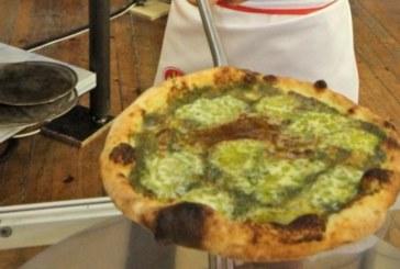Клиент на пицария не поръчвал храна 11 дни и работниците решили да го потърсят, оказало се…