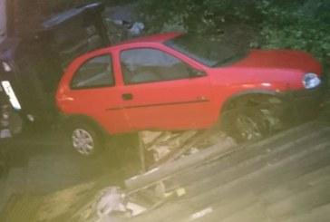 Свлачище обърна коли в Габрово (СНИМКА)