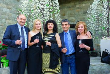 Оборудване за винарска изба и шоу на Н. Чакърдъкова подариха за 50-г. юбилей на благоевградския бизнесмен Л. Мавродиев