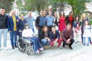 Отличникът на Неврокопската гимназия Ал. Мечитов отбеляза дипломирането си с 50 гости