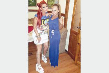"""С женско парти популярната певица Тина празнува 31-ви рожден ден, Х факторката Съни я поздрави с любимата й песен """"Докторе"""""""
