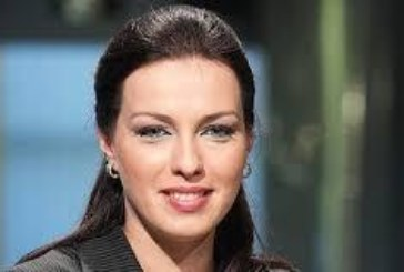 Виктория Петрова шашна колегите си: Виж как успя да отслабне в таза и бедрата!