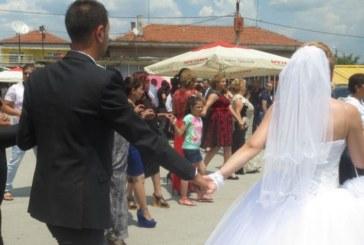 Ромски сватби разгневиха областен град, музиката не спира дори и през нощта
