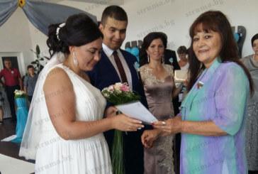 Родители от Кочан и Плетена долетяха от Америка и Испания, вдигнаха сватба с 1200 гости на децата си