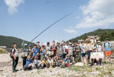 Две пъстърви и мряна донесоха първото място на 10-г. М. Асьов на риболовно състезание с връстници от Г. Делчев в Якоруда