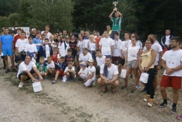 """150 ентусиасти се включиха в """"Мечи крос – Белица"""", бягаха 12,7 км за купата на кмета"""
