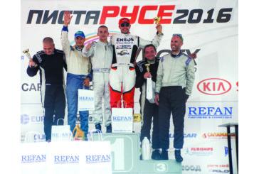 """Автомобилни шампиони от """"Grand Prix Ruse"""" с подаръци от REFAN"""