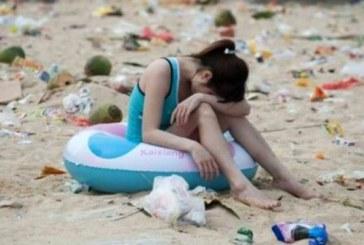 Китайци на плаж /СНИМКИ/