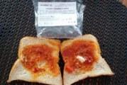 Шок и ужас! Можете ли да повярвате!? Това е сандвич от безплатната закуска на учениците! (СНИМКИ)