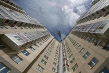 ИСТИНСКО ЧУДО! Момиче полетя от 11-ия етаж и оцеля