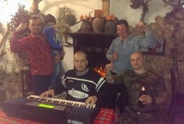 Кикбоксьор №1 на Дупница К. Чакъров празнува с приятели 32-и рожден ден