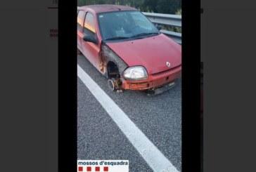 Заловиха жена да шофира пияна, в насрещното и без една гума /ВИДЕО/