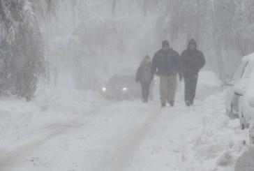 СНЕЖЕН КАПАН: Хиляди останаха без ток в Югозапада!