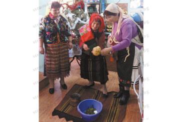 """Две """"булки"""" от Първомай поляха на баба Верка Стойчева и я даруваха"""