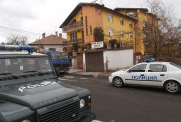 Крадци влезли в дома на Мавриков в Банско, тръгнали си с плячка за 65 000 лв.