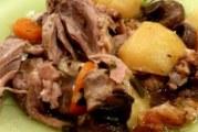 Задушено месо по руски в гювече