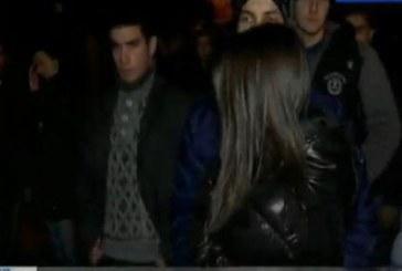 Репортер плаче в ефир на протеста за Тодор във Враца! Младежът е починал от глътване на езика