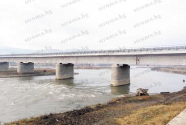 АПИ: Пукнатината в моста до Рибник не е опасна