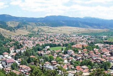 2300 лв. заплата обещават в село в Пиринско