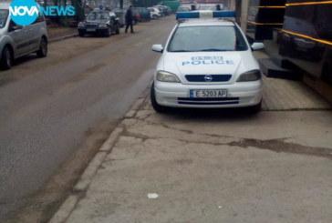 Къде паркира патрулка в Разлог! Полицаите в казиното по време на дежурство, защо