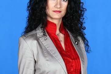 """Мис Кюстендилска пролет"" атакува парламента от листата на ДПС"