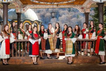 """Кметът П. Паунов постна на стената си снимка на 14-те претендентки за титлата """"Девойка Кюстендилска пролет"""""""