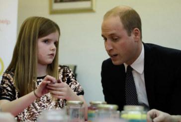 Принц Уилям утеши скърбящо момиченце: Аз също загубих мама