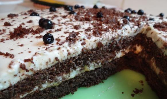 Торта с маскарпоне и бял шоколад