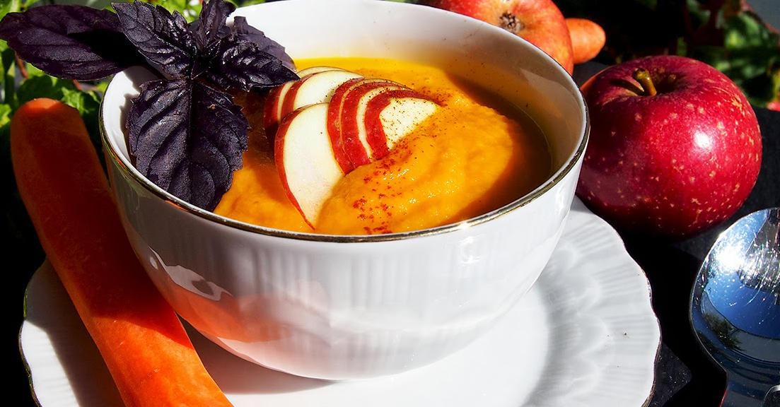 Ябълкова супа с моркови