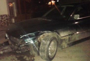 Пиян младеж помля три коли пред заведение в село Баня